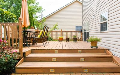How to Choose What Type of Decking Material to Use When Building a Deck